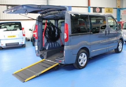 Renault Trafic yj61 | 5 seats plus wheelchair