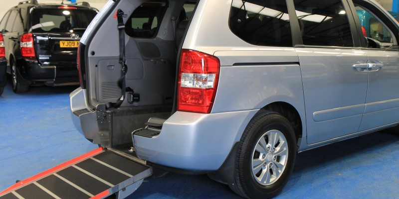 Kia sedona Auto Wheelchair car yj11dbu (2)