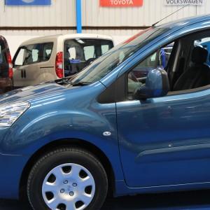 Peugeot Wheelchair adapted car gx12 (11)
