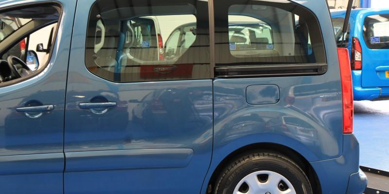 Peugeot Wheelchair adapted car gx12 (12)