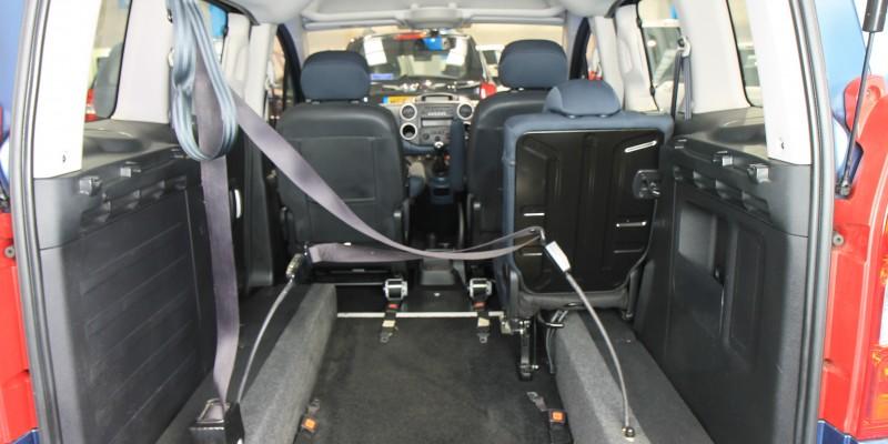 Peugeot Wheelchair adapted car gx12 (3)