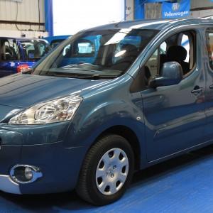 Peugeot Wheelchair adapted car gx12 (9)