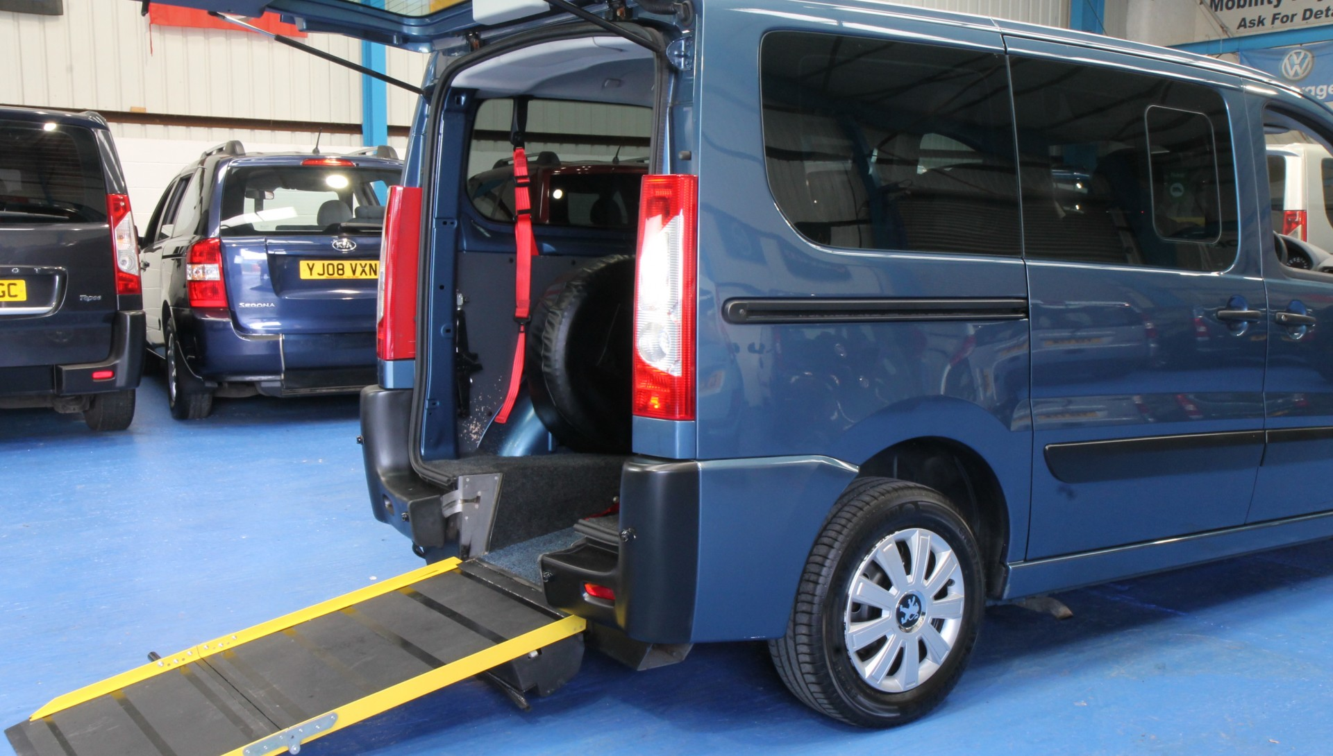 Wheelchair Accessible Vehicles: Expert Wheelchair Accessible Vehicle YJ59 FSC