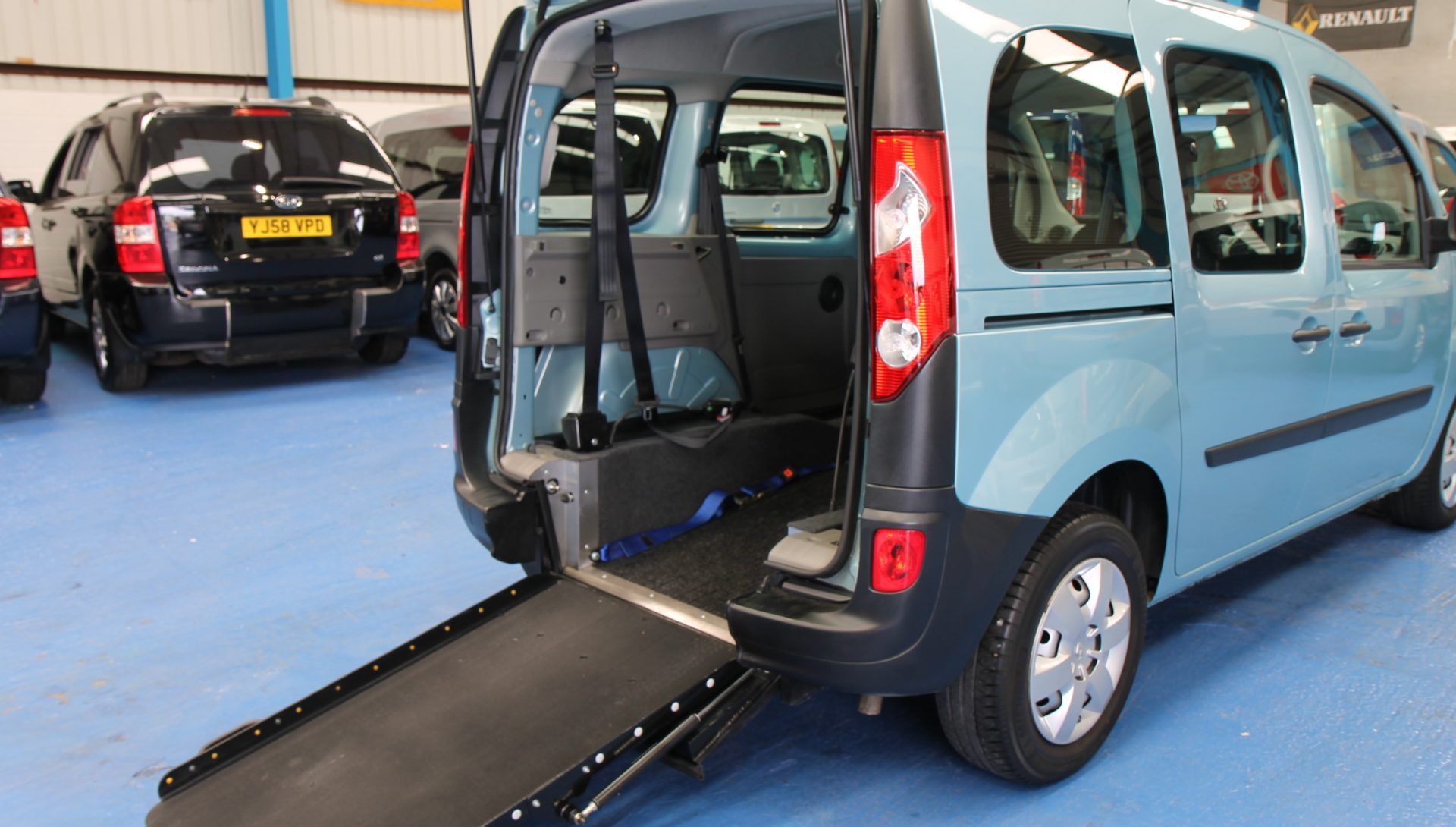 Kangoo wheelchair vehicle gx11 dmv