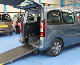 Berlingo wheelchair car dxz 4445