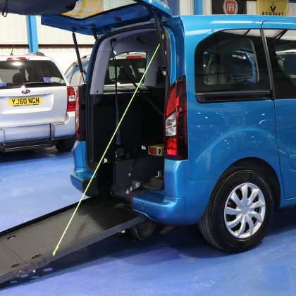 Berlingo Wheelchair car dxz 7544