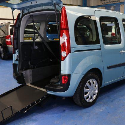 Kangoo wheelchair car Gx12 enj