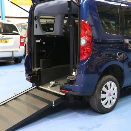 Doblo wheelchair vehicle yx64 ahu