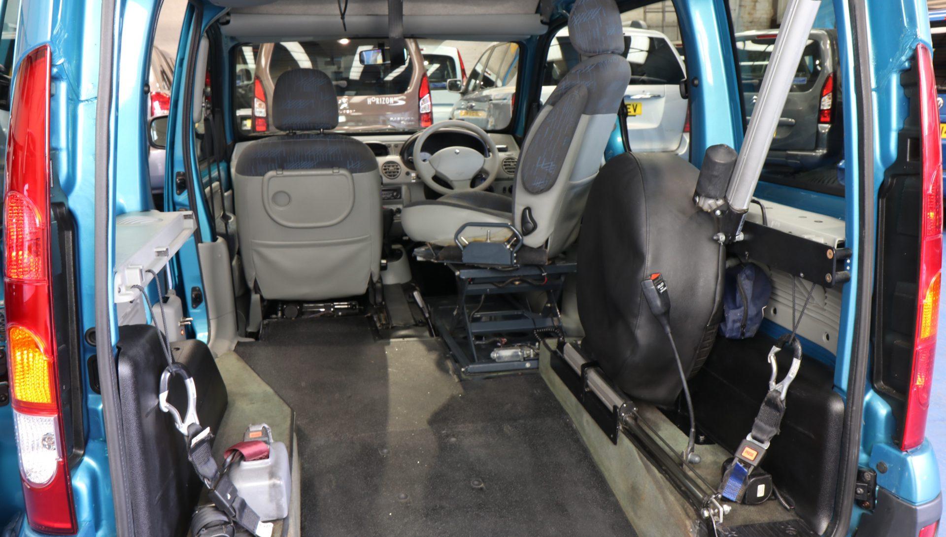 Kangoo Transfer vehicle pn08 bav