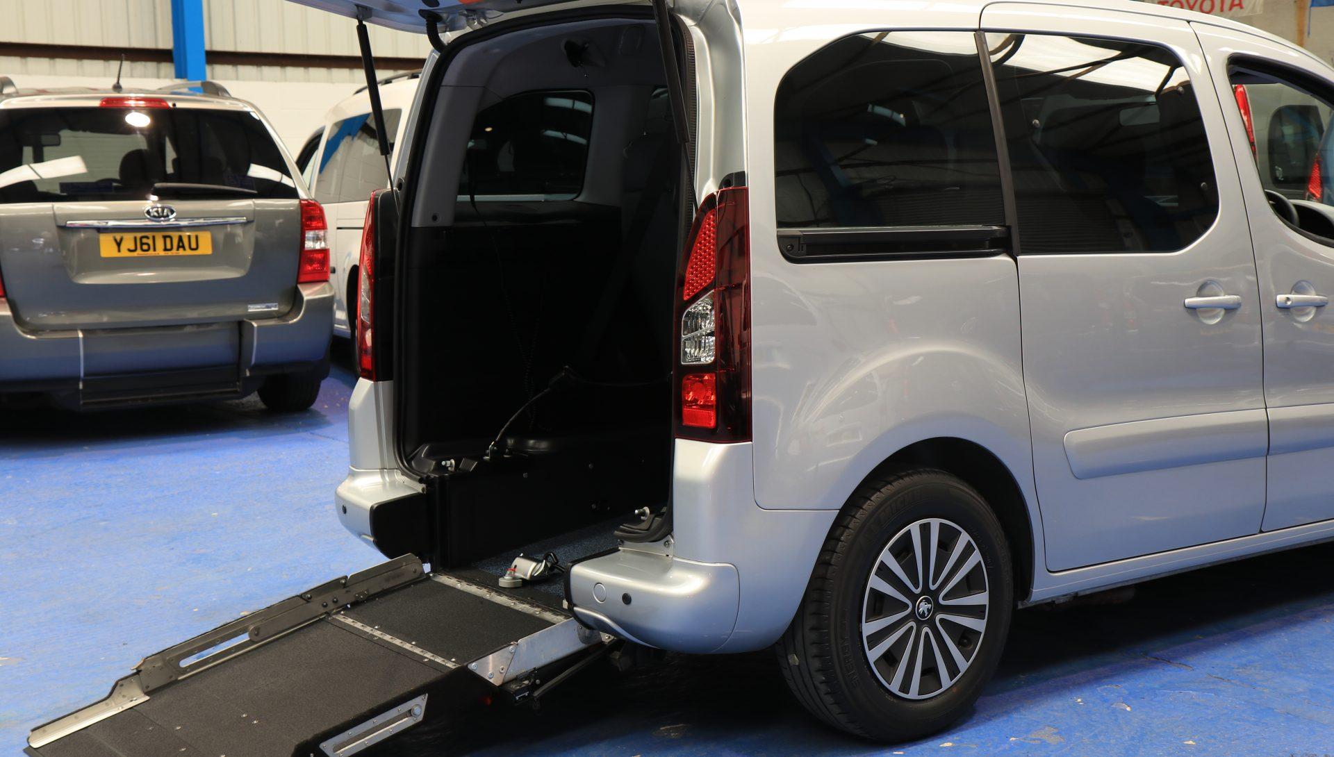 Partner wheelchair vehicle sf65 gnk